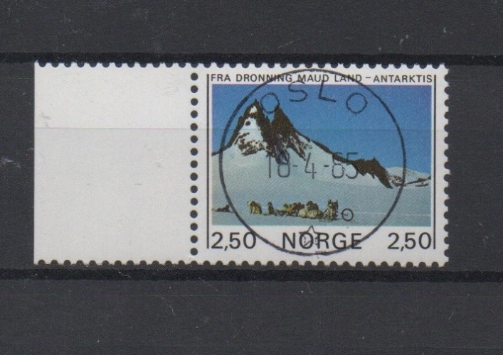 http://www.norstamps.com/content/images/stamps/127000/127536.jpg
