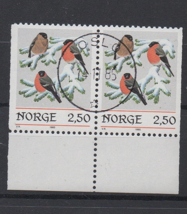 http://www.norstamps.com/content/images/stamps/127000/127568.jpg