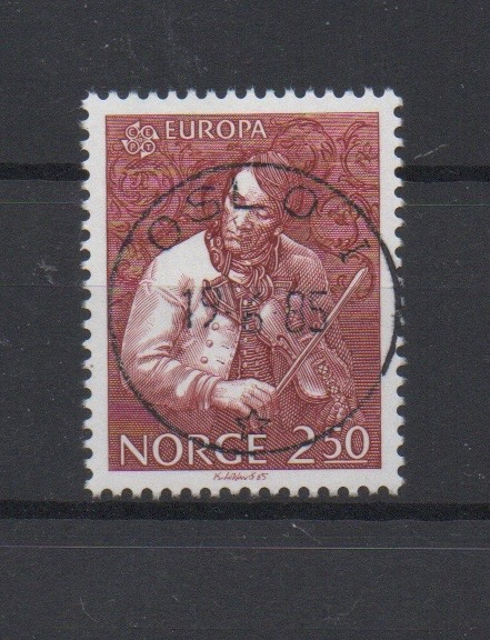 http://www.norstamps.com/content/images/stamps/127000/127570.jpg
