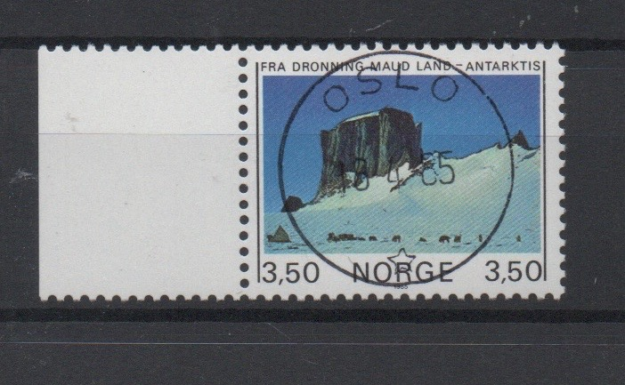 http://www.norstamps.com/content/images/stamps/127000/127573.jpg