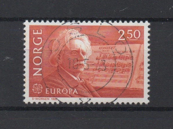 http://www.norstamps.com/content/images/stamps/127000/127581.jpg