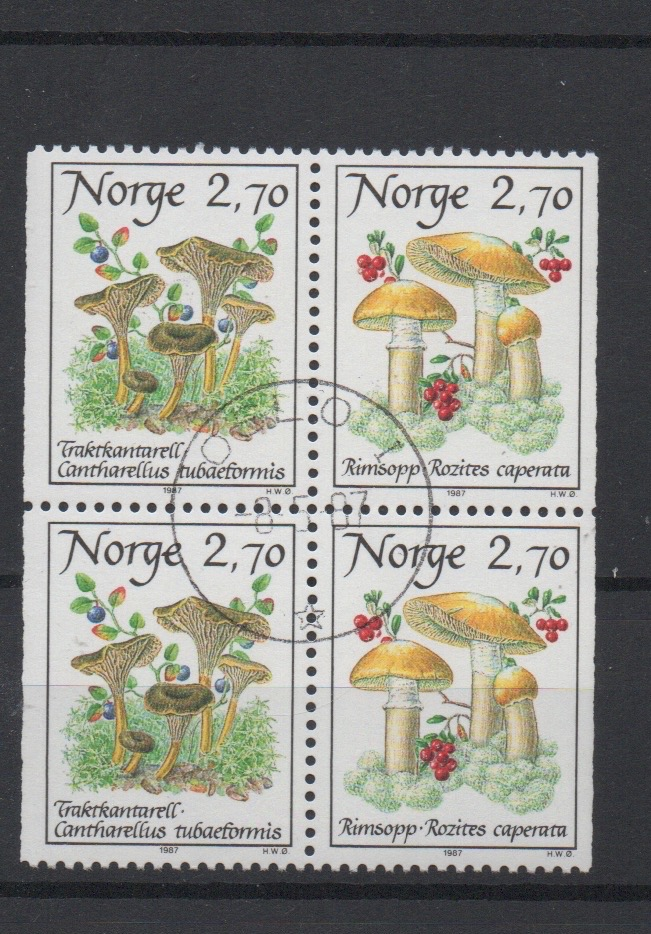 http://www.norstamps.com/content/images/stamps/127000/127611.jpg