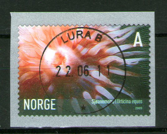 http://www.norstamps.com/content/images/stamps/137000/137835.jpg