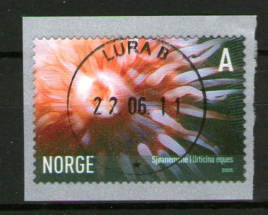 http://www.norstamps.com/content/images/stamps/137000/137836.jpg