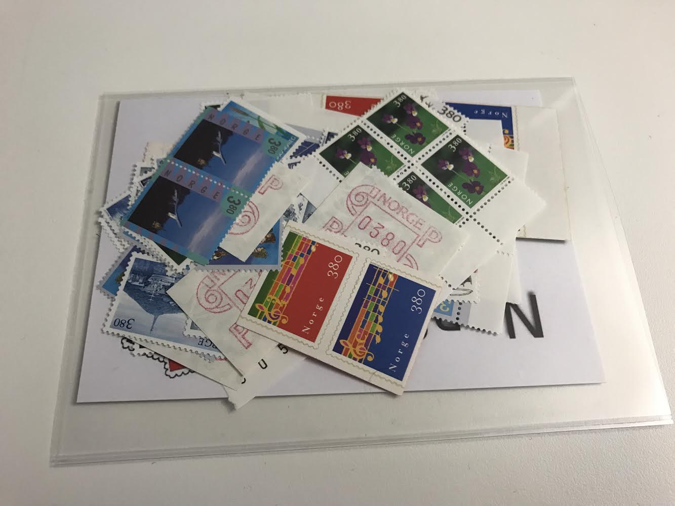 https://www.norstamps.com/content/images/stamps/150000/150249.jpg