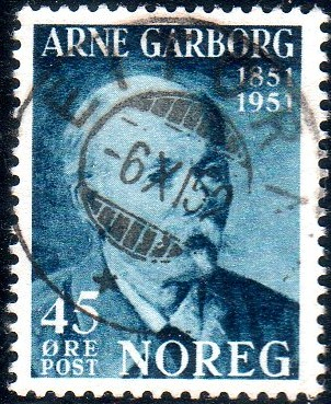 http://www.norstamps.com/content/images/stamps/173000/173732.jpg