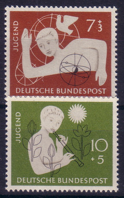 http://www.norstamps.com/content/images/stamps/21000/21139.jpg