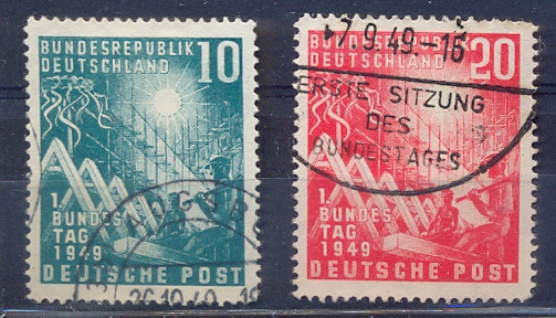 http://www.norstamps.com/content/images/stamps/99000/99858.jpg